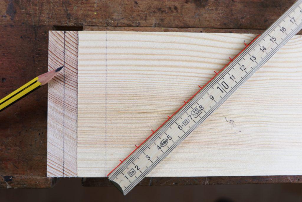 Zinkung Diagonale anreißen offene Zinkung Zinkenverbindung Schwalbenschwanzzinkung