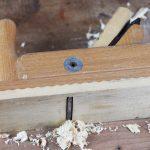 Hobel einstellen und Holz hobeln