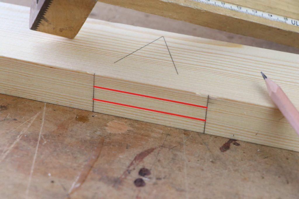gestemmter Zapfen Holzverbindung Zapfenloch anzeichnen