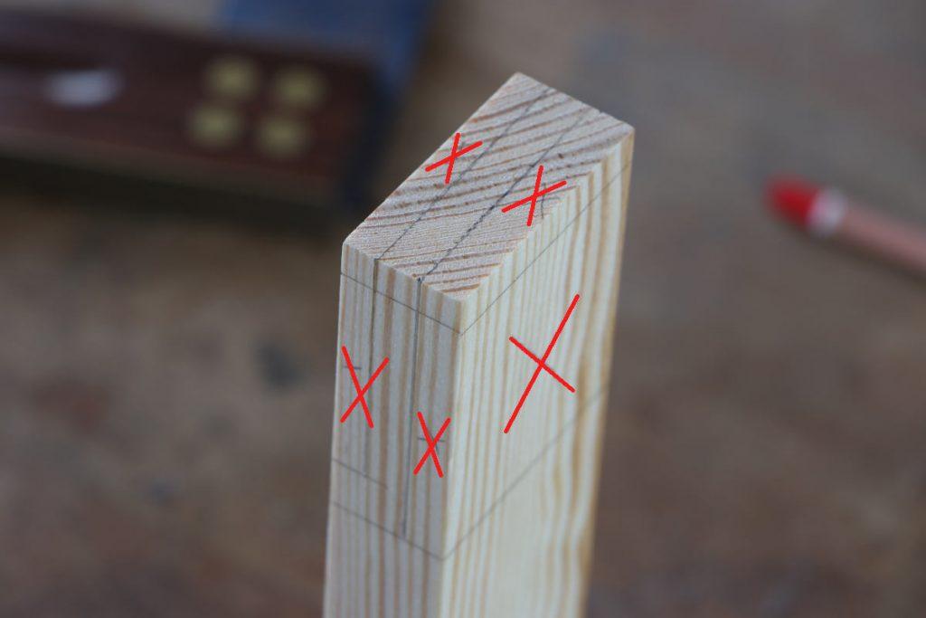 Schlitz und Zapfen ABfallbereiche anzeichnen Kreuz