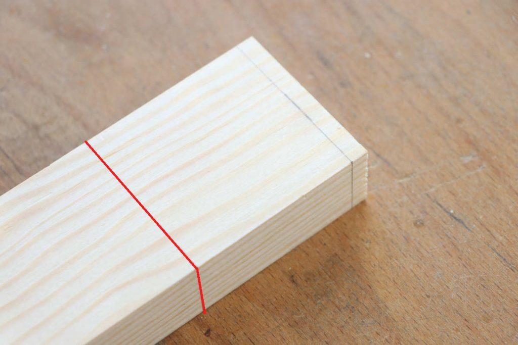 Schlitz und Zapfen Schlitzstück einfache Holzstärke anzeichnen