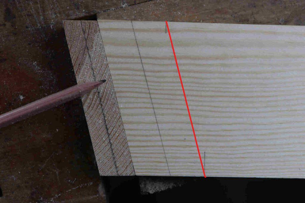 schraege zinkung schwalbenschwanz holzverbindung anreißen hale holzstaerke streichmaß